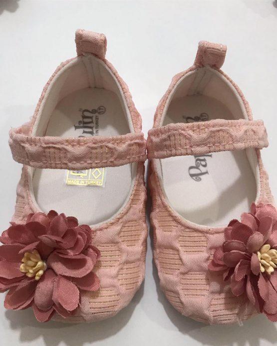 Çiçek Detaylı Ayakkabı